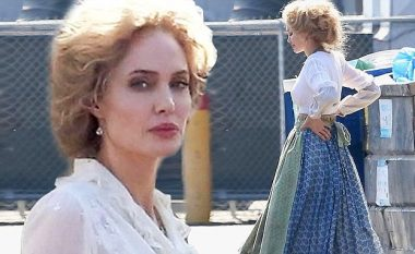 Angelina Jolie në xhirimet e dramës së re, duket tërheqëse në stilin e viteve 1900