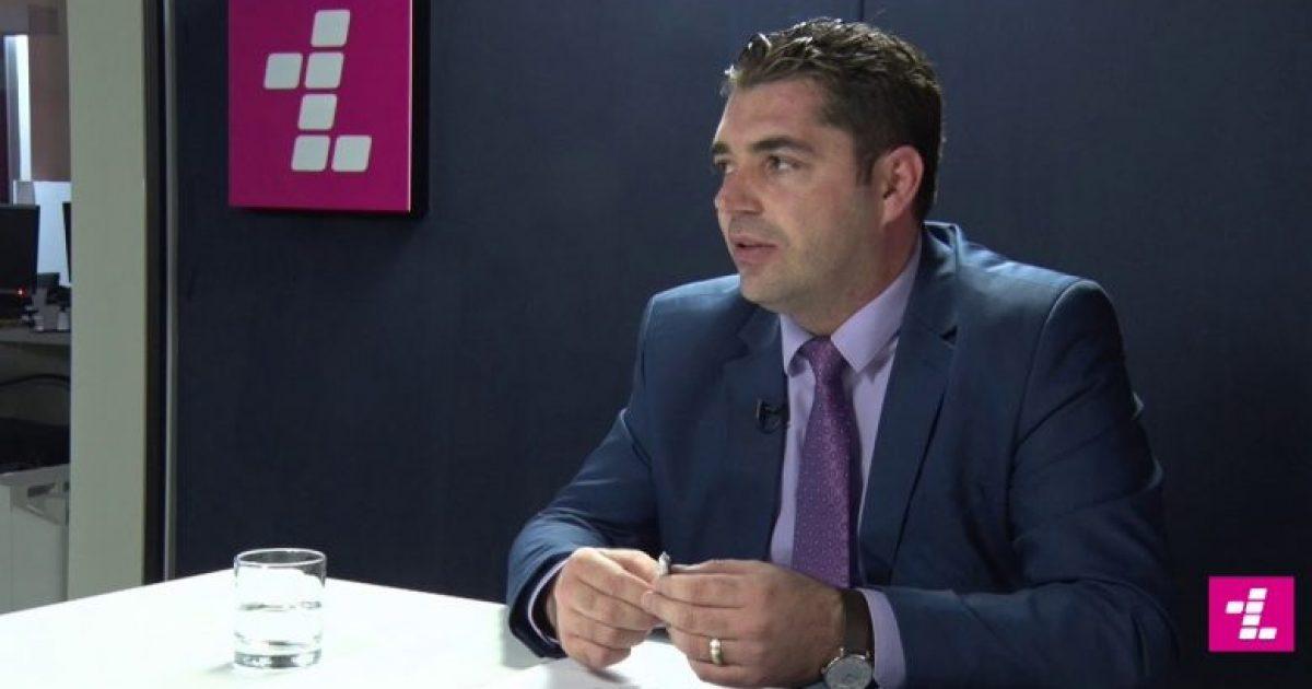 Hasani: Të jesh ministër është nder, por jo në rrethana të Kosovë