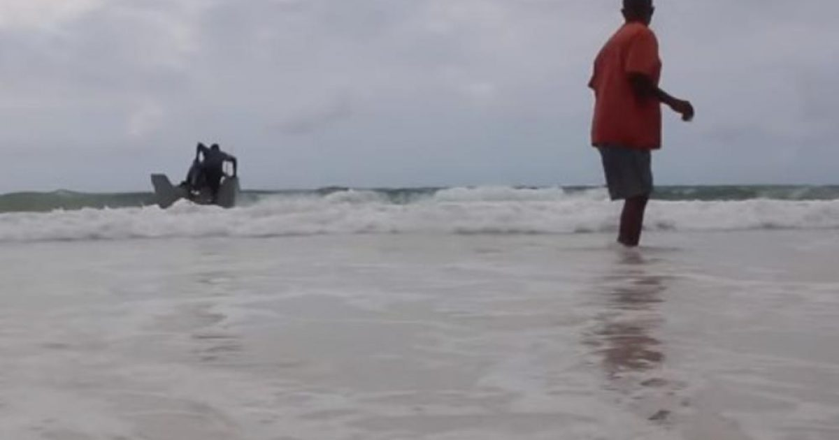 """Prezervativët ua """"shpëtojnë"""" jetën peshkatarëve të Kenisë (Video)"""