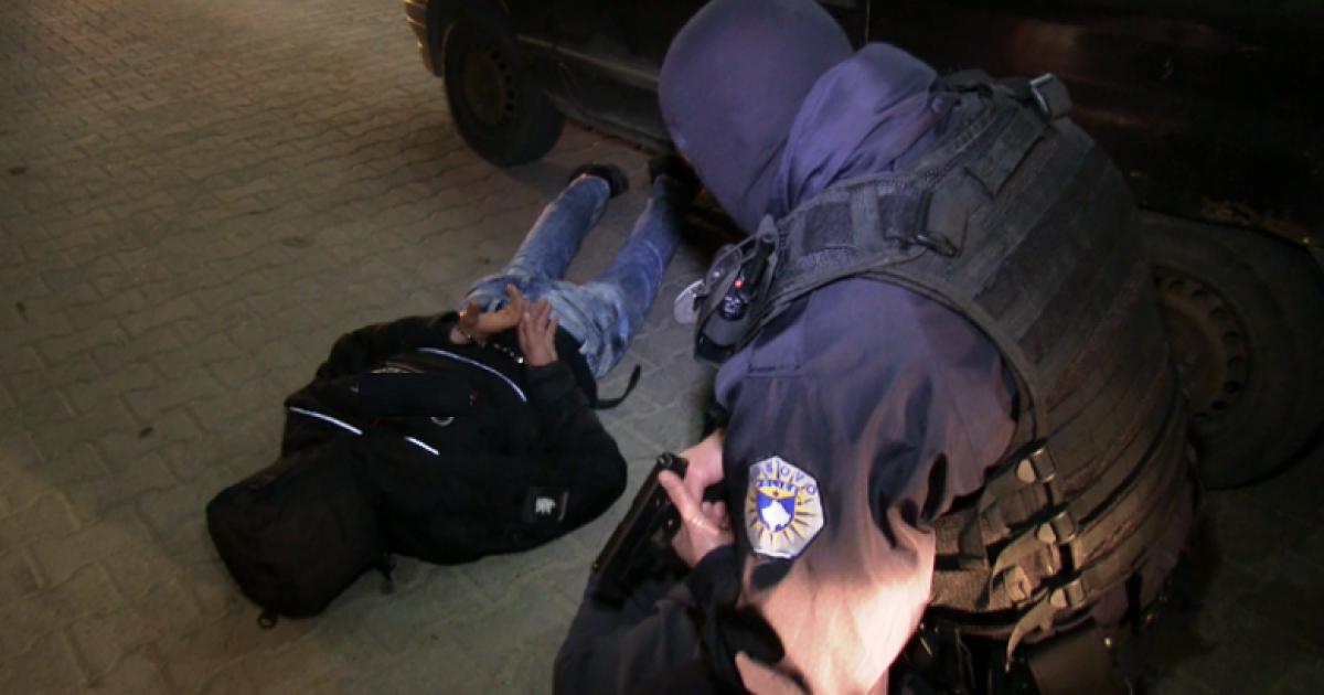 Tenton të kryejë plaçkitje, policia kap në flagrancë të dyshuarin