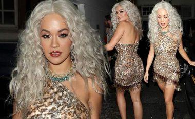 Rita Ora duket 'e egër' në festën e xhunglës në Londër, rrëmben sërish vëmendje me dukjen e saj