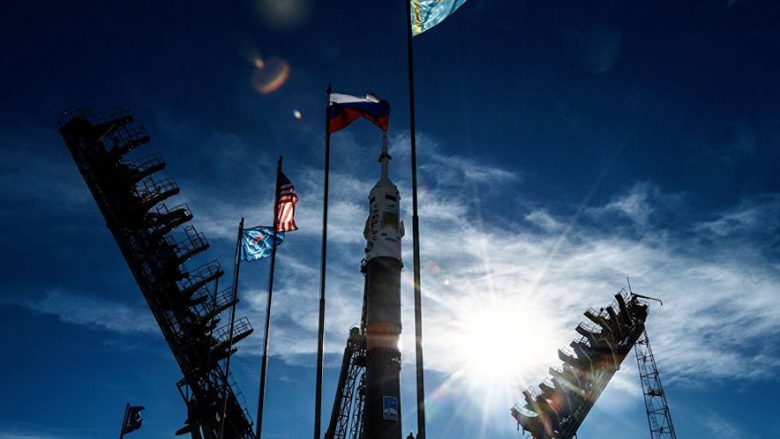 Anija kozmike ruse pëson defekt, bën ulje emergjente (Video)