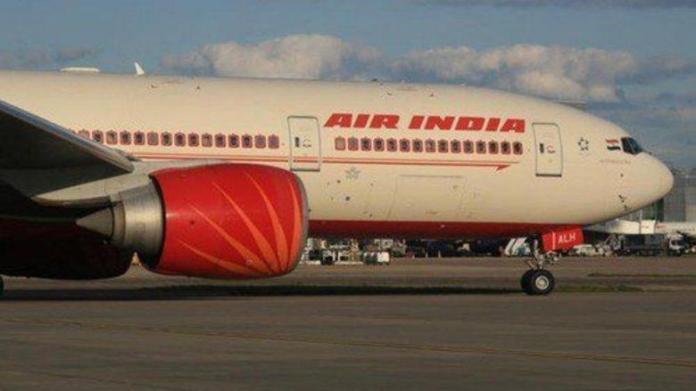 Aeroplani me 130 pasagjerë përplaset në murin e aeroportit në Indi, nuk raportohet për viktima (Foto)