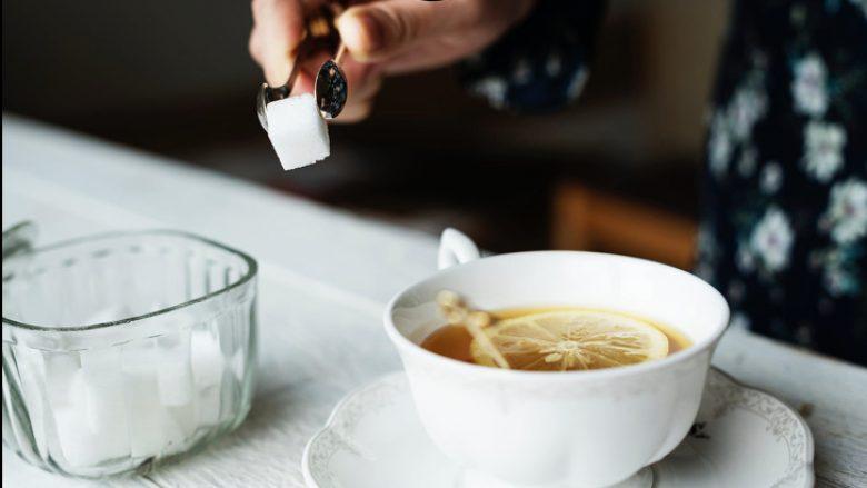 Si mund ta dëmtoj sheqeri shëndetin tuaj dhe çfarë mund të bëni për ta ndaluar atë