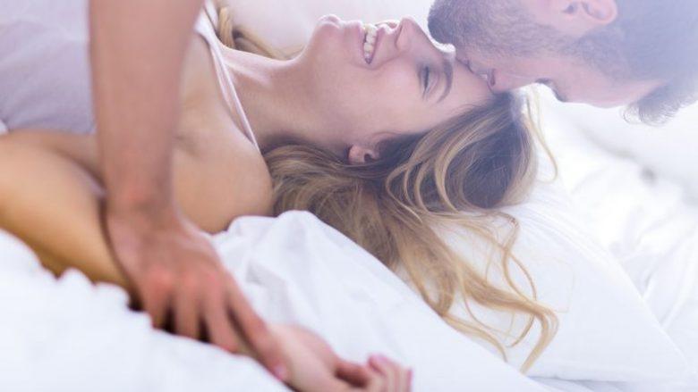 Përse duhet të bëni seks çdo mëngjes
