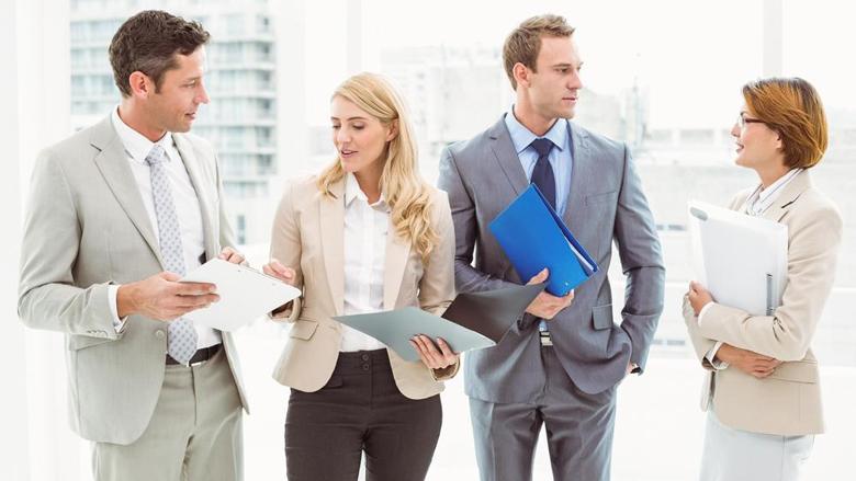 Tri shprehitë më të këqija afariste: Si të arrini prestigj dhe respekt të kolegëve!