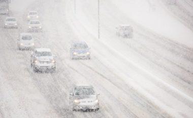 """Bie borë në SHBA, Kolorado """"pushtohet"""" nga aksidentet (Video)"""