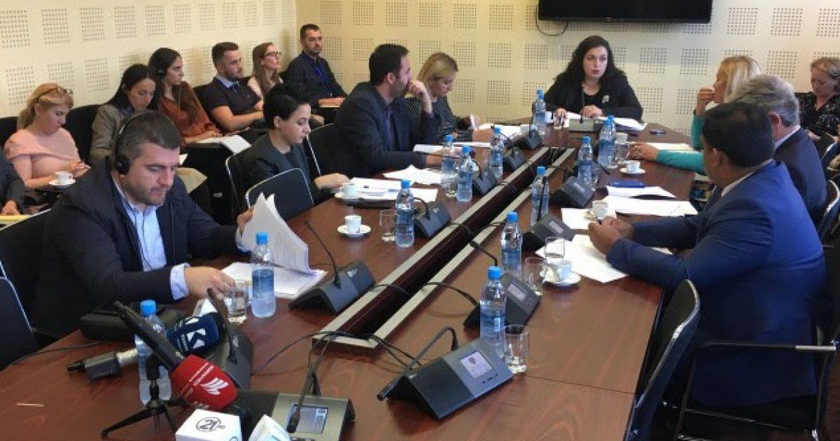 Komisioni me vërejtje për raportin e Qeverisë rreth dialogut