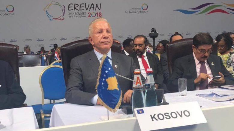 """Pacolli ia kthen Daçiqit: Nuk e kam hapur """"thesin me para"""" për njohjet e Kosovës"""