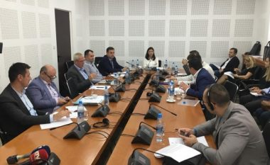 Projektligji për referendumin përplas Haxhiun dhe Krasniqin, përmendet edhe SHIK-u