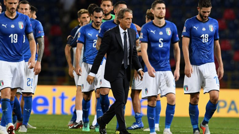 BOLOGNA, ITALY - SEPTEMBER 07:  Head coach Italy Roberto Mancini looks on at the end of the UEFA Nations League A group three match between Italy and Poland at Stadio Renato Dall'Ara on September 7, 2018 in Bologna, Italy.  (Photo by Claudio Villa/Getty Images)