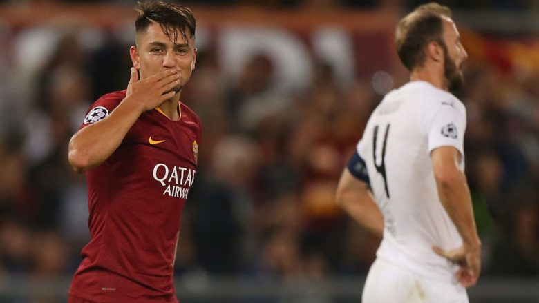 ROME, ITALY - OCTOBER 02:  Cengiz Under of AS Roma celebrates after scoring the team's third goal during the Group G match of the UEFA Champions League between AS Roma and Viktoria Plzen at Stadio Olimpico on October 2, 2018 in Rome, Italy.  (Photo by Paolo Bruno/Getty Images)