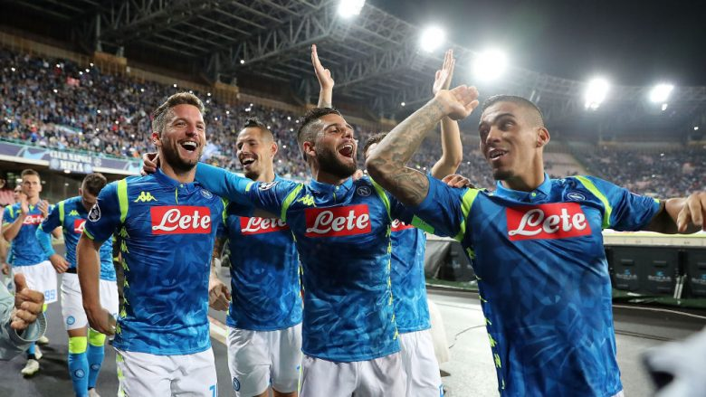 NAPLES, ITALY - OCTOBER 03:  Lorenzo Insigne, Dries Mertens, Allan players of SSC Napoli celebrate the victory after the Group C match of the UEFA Champions League between SSC Napoli and Liverpool at Stadio San Paolo on October 3, 2018 in Naples, Italy.  (Photo by Francesco Pecoraro/Getty Images)