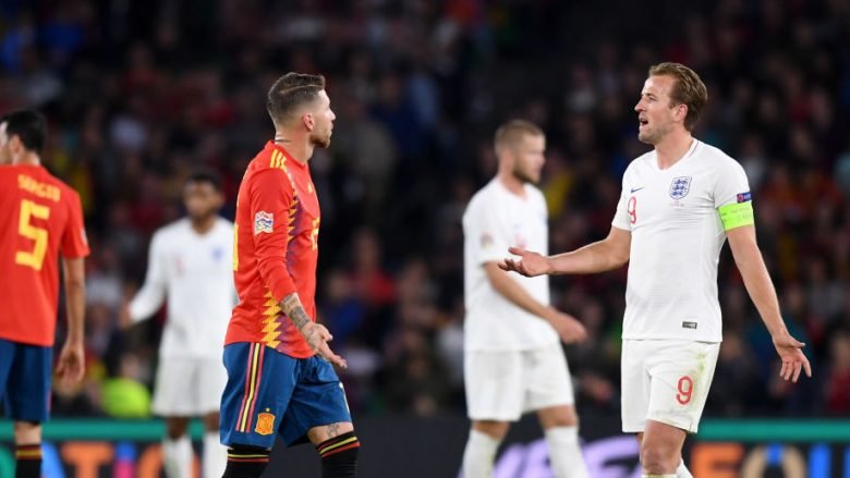SEVILLE, SPAIN - OCTOBER 15:  Sergio Ramos of Spain and Harry Kane of England argue during the UEFA Nations League A Group Four match between Spain and England at Estadio Benito Villamarin on October 15, 2018 in Seville, Spain.  (Photo by Michael Regan/Getty Images)