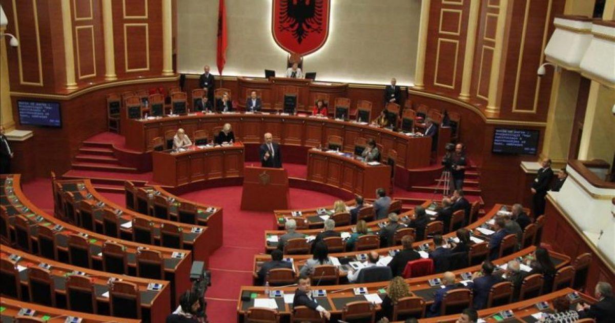 Thirrja e drejtuesit të eurodeputetëve që vizitojnë Shqipërinë: Opozita të kthehet në Kuvend