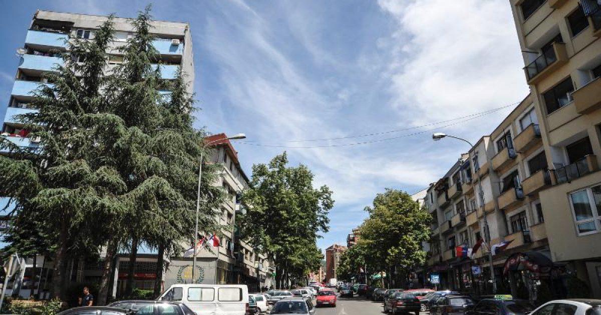 Bombë në oborrin e pjesëtarit të FSK-së në Mitrovicën Veriore