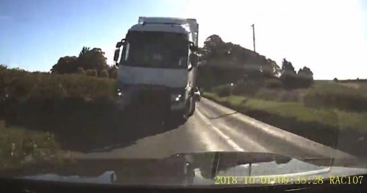 shoferi-i-bmw-shmang-nje-perplasje-me-kamionin-momenti-qe-tregon-se-si-tragjedia-ishte-vetem-pak-centimetra-larg