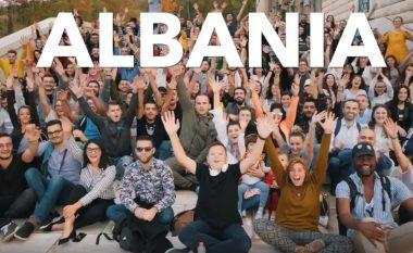 'NasDaily' me video për Shqipërinë: Shteti mikpritës pa Starbucks, por me mijëra kafene