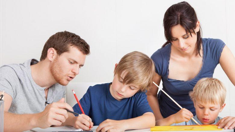 10 mënyra për ta ndihmuar fëmijën në mësim
