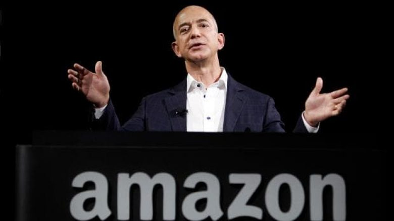 Jeff Bezos humb mbi 9 miliardë dollarë në ditë, megjithatë mbetet njeriu më i pasur në botë