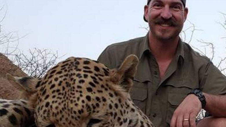 Vrau të paktën 14 kafshë të egra, bëri fotografi me to – kritikohet ashpër amerikani