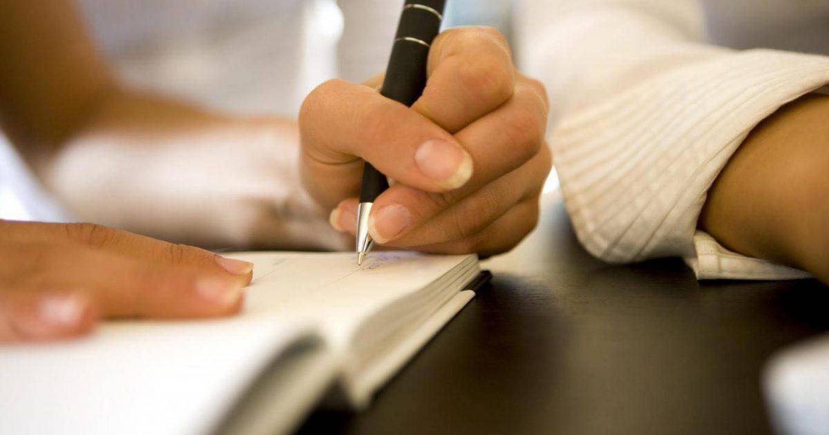 Ata që shkruajnë me dorë të majtë janë më të mençur