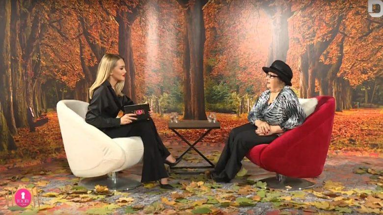 """Leze Qena në emisoin """"Show Room me Gentën"""" (Foto: YouTube/RTV Dukagjini)"""