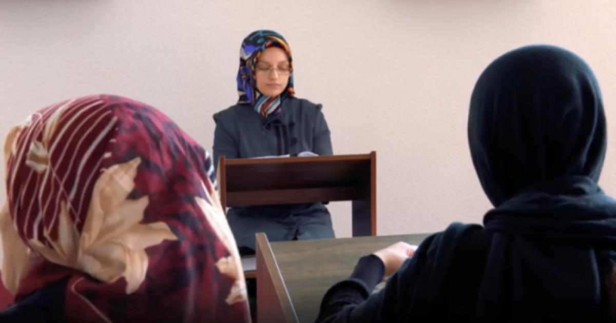 Bashkësia Islame e Turqisë financon 12 gra ligjëruese në xhamitë e Kosovës (Video)