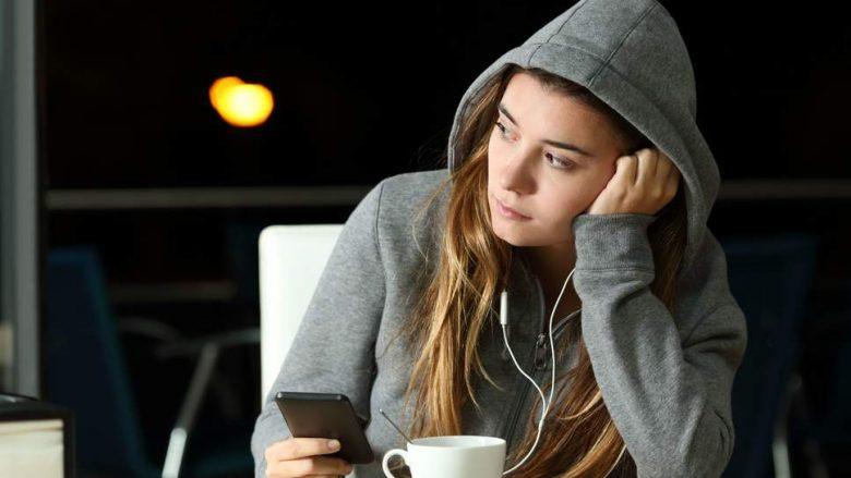 Të rinjtë janë më të vetmuar sesa të gjitha grupmoshat tjera
