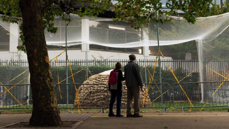 Kupola të mbuluara me baltë, arkitektja franceze thotë se mund të sigurojnë strehim edhe gjatë fatkeqësive natyrore (Foto/Video)