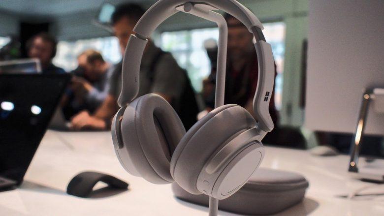 Microsoft lanson dëgjueset që bllokojnë zhurmën e jashtme
