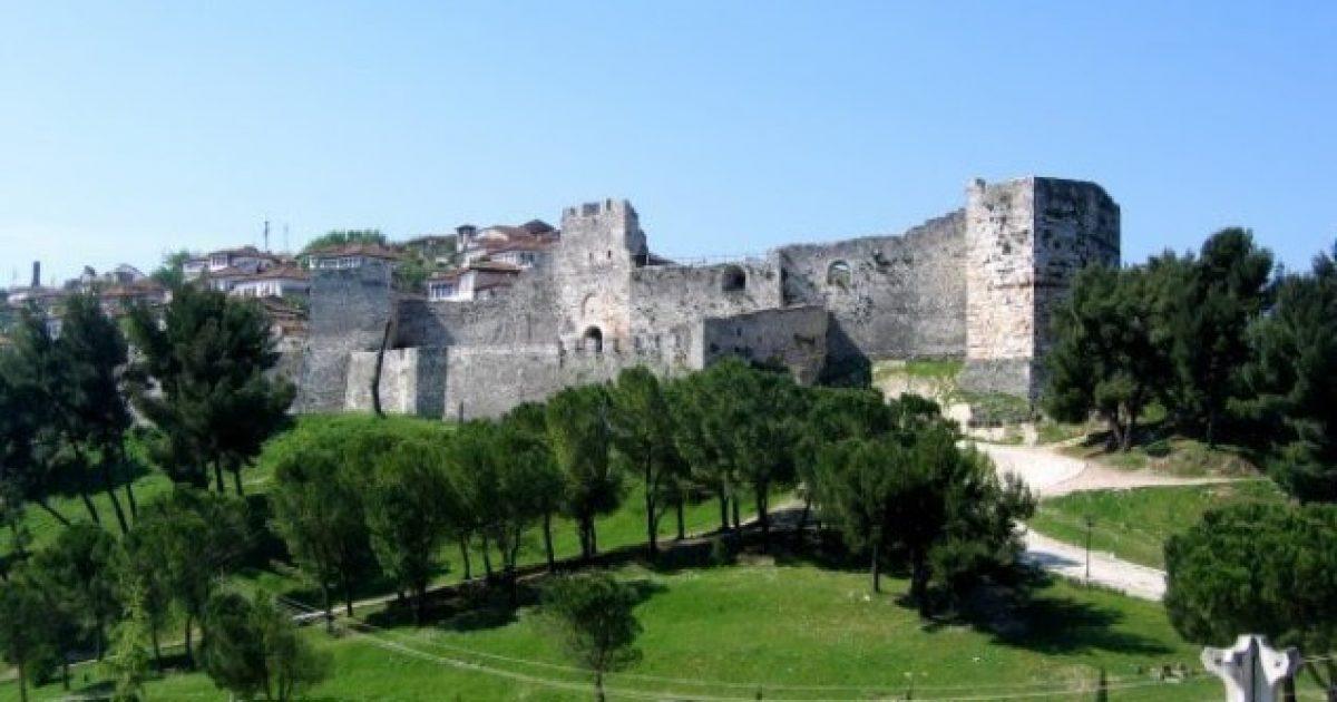 Kalanë e Beratit rreth 16 mijë vizitorë e vizituan në shtator