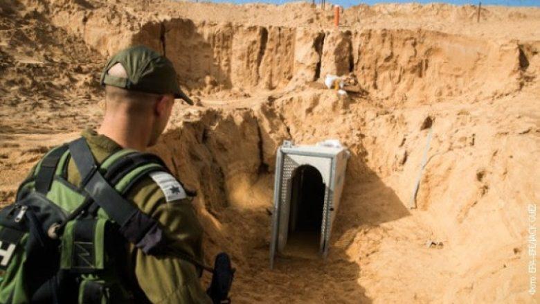 Izraeli shkatërron tunelin e Hamasit