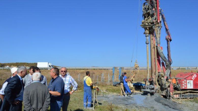 Fillojnë punimet për kërkimin e ujit në Temeqinë