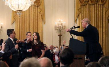 CNN fiton betejën ligjore, Shtëpia e Bardhë urdhërohet t'i kthejë akreditimin gazetarit Jim Acosta (Video)