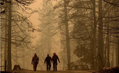 I mbijetuan zjarrit, tani po i kërcënon diçka tjetër - qytetarët e Kalifornisë po rrezikohen nga ajri i ndotur (Foto/Video)