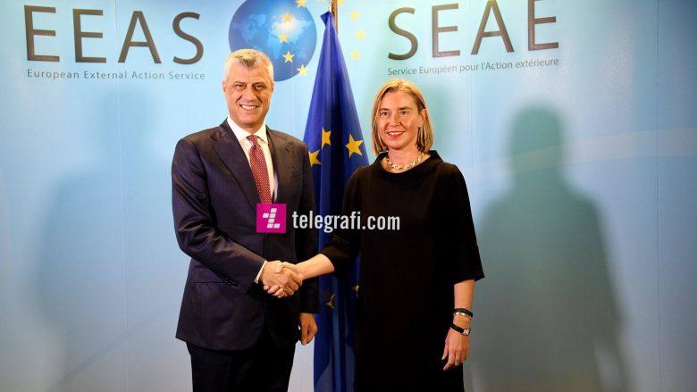 Thaçi takohet me Mogherinin: U pajtuam për arritjen e një marrëveshjeje ligjërisht të obligueshme