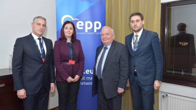 Daul: Të gjitha partitë anëtare të PPE-së të respektojnë demokracinë e brendshme dhe lirinë e mendimit