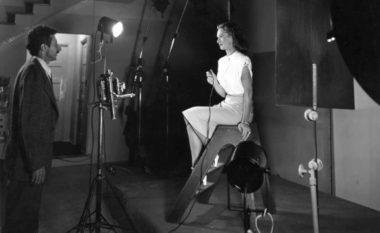 """Studimi psikologjik i autoportretit fotografik: Artistët e famshëm, """"selfie"""" me ndihmën e Gjon Milit"""
