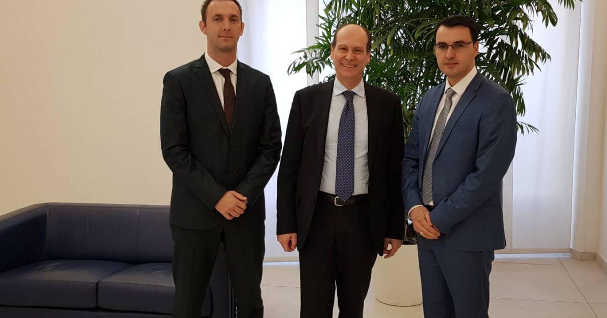 shoqata-e-sigurimeve-te-kosoves-zhvillon-takim-ne-rome-me-shoqaten-nacionale-te-kompanive-te-sigurimit