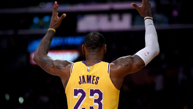 LOS ANGELES, CA - OCTOBER 20:  LeBron James #23 of the Los Angeles Lakers during the game against the Houston Rockets at Staples Center on October 20, 2018 in Los Angeles, California.  (Photo by Harry How/Getty Images)