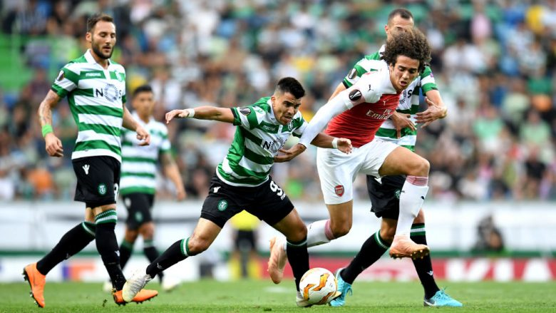 LISBON, PORTUGAL - OCTOBER 25:  Marcos Acuna of Sporting CP chases Matteo Guendouzi of Arsenal  during the UEFA Europa League Group E match between Sporting CP and Arsenal at Estadio Jose Alvalade on October 25, 2018 in Lisbon, Portugal.  (Photo by David Ramos/Getty Images)
