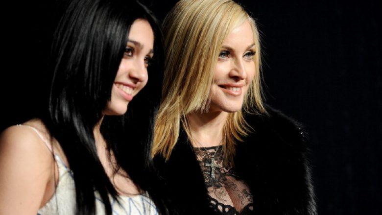 Madonna po e nxit vajzën e saj të mos depilohet nën shqetulla