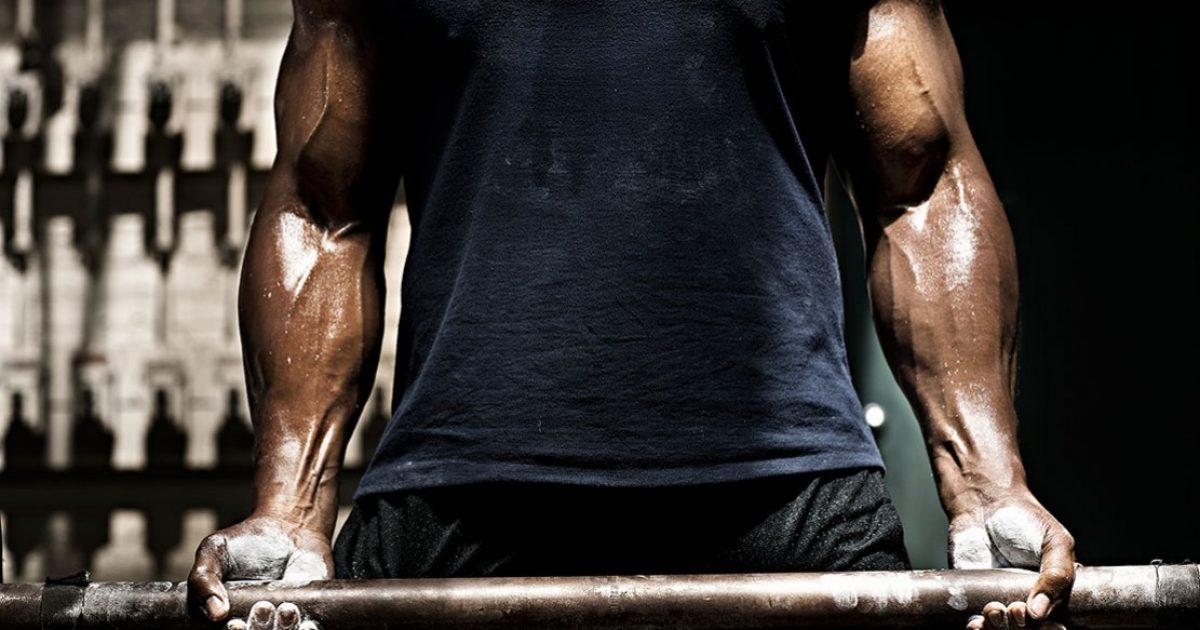 Sa muskuj vërtet mund t'i shtoni brenda një muaji
