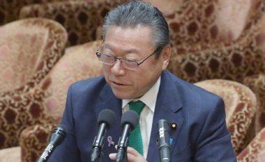 Ministër për Sigurinë Informatike në Japoni, por s'ka prekur asnjëherë një kompjuter