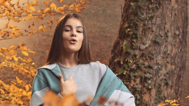 """Valza sjell këngën e re """"Mon Ami"""""""