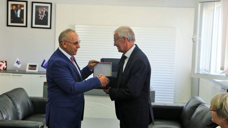 Zyrtarët e Federatës së Futbollit të Gjermanisë mysafirë në ndeshjen Kosovë – Azerbajxhan