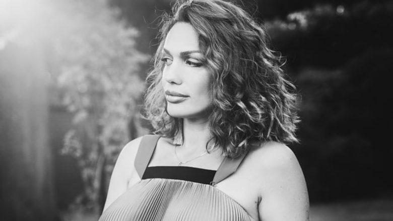 Drenusha Latifi: Ju rrëfej jetën time të re larg muzikës, gjithçka ndryshoi me ardhjen në jetë të fëmijëve të mi