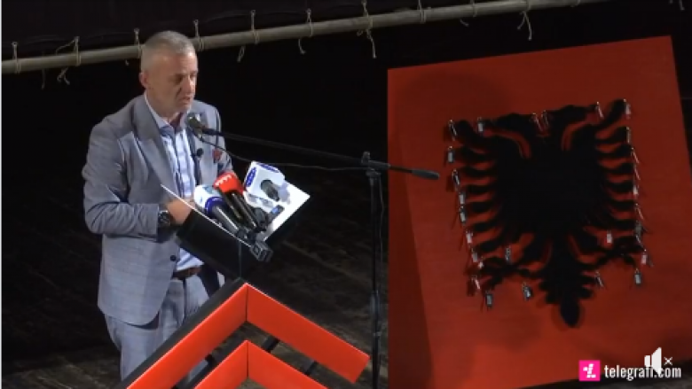 """Në Prizren, 28 Nëntori u festua ndryshe: """"Jetimat e Ballkanit"""", dhuruan 28 shtëpi për familjet në nevojë (Video)"""