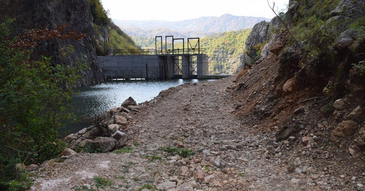 Dëmtohet rruga antike 'Via Egnatia' nga punimet e HEC-it